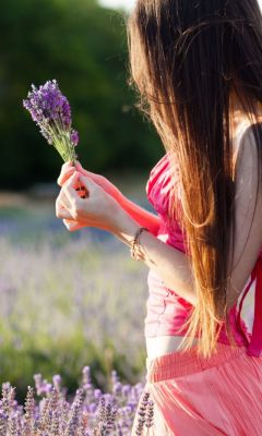 Girl-With-Field-Flowers