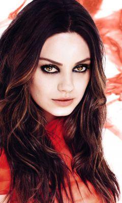 Mila-Kunis Catching Eyes