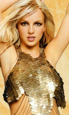 Britney-Spears-In-Golden-Dress