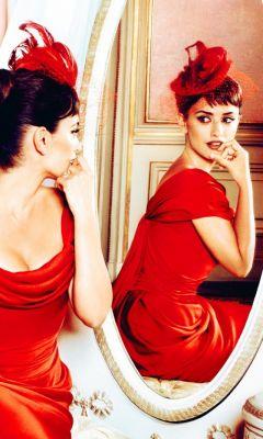Penelope-Cruz-In-Little-Red-Dress