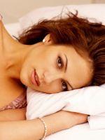 Jennifer-Lopez-In-The-Bed