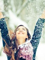 Winter-Snow-And-Happy-Girl
