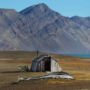 Abandoned House In Svalbard Norway Wallpaper