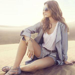 Girl In The Desert Wallpaper