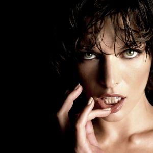 Milla Jovovich Face Image