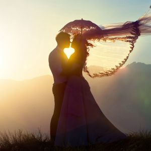 Love At Sunset Wallpaper