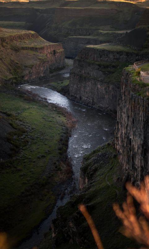 river between mountain wallpaper