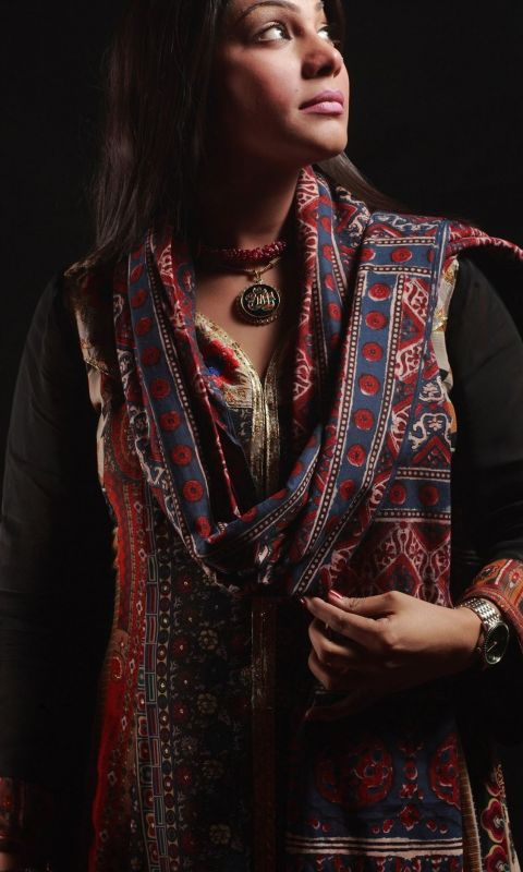 Sanam Marvi Pakistani Folk and Sufi Singer very ho... wallpaper